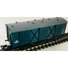 2F01 BR Fruit D Wagon N Gauge with Dark Grey Roof