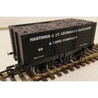 S3174P - Hastings & St Leonards Gaslight & Coke Company  7 Plank RN49 OO