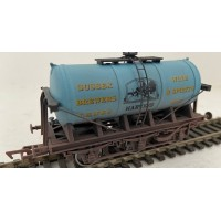 S3231W - Harveys of Lewes  Brewery Tanker No 5 Weathered OO