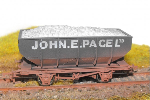 S2577W - John E Page Ltd 21T Hopper (Weathered)
