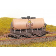 S2588W - Brickwoods Brewery Tanker 00 (Weathered)