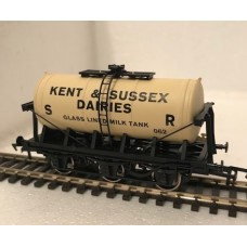 S2597P - Kent & Sussex 00 Gauge 6-wheel Milk Tanker (Pristine)