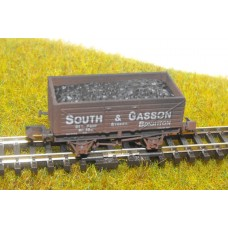 S2601NW - South & Gasson N Coal/Mineral 7 Plank Wagon (Weathered)